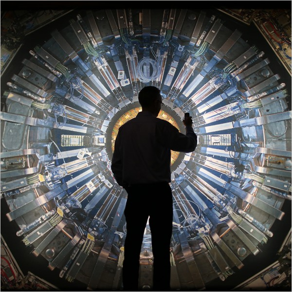 Da LHC al Big Bang: la sfida del lato oscuro dell'Universo