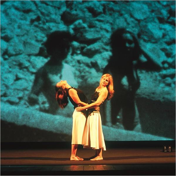 """Teatro: """"Storia di un'amicizia"""", tratto dal romanzo """"L'amica geniale"""" di Elena Ferrante"""