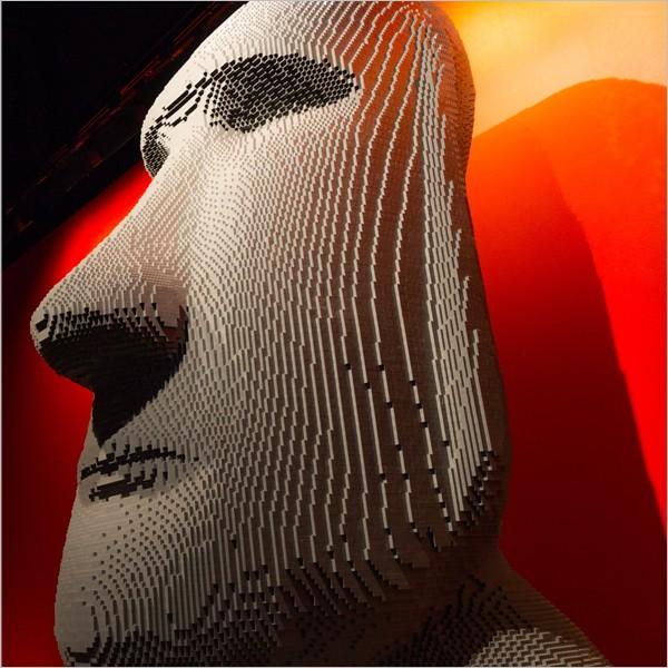 """The Art of the Brick, la mostra delle """"sculture"""" fatte con i Lego"""
