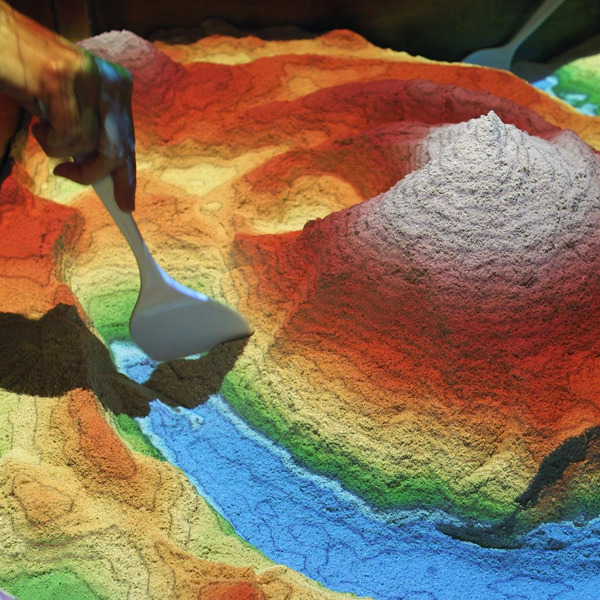 La geografia a portata di mano con la Augmented Reality SandBox