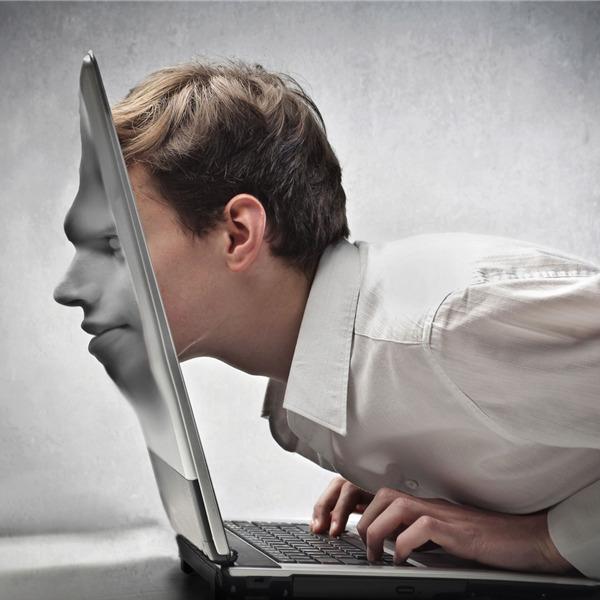 Internet: la dipendenza e' patologica e comportamentale - Corti da legare