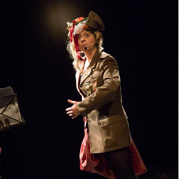 Concert jouet.  Spettacolo teatrale e musicale bislacco con Paola Lombardo